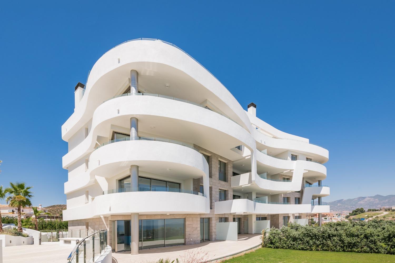 Strand som lever med oavbruten havsutsikt! Byggnadsarbeten är klara! Pris från 494.500 euro