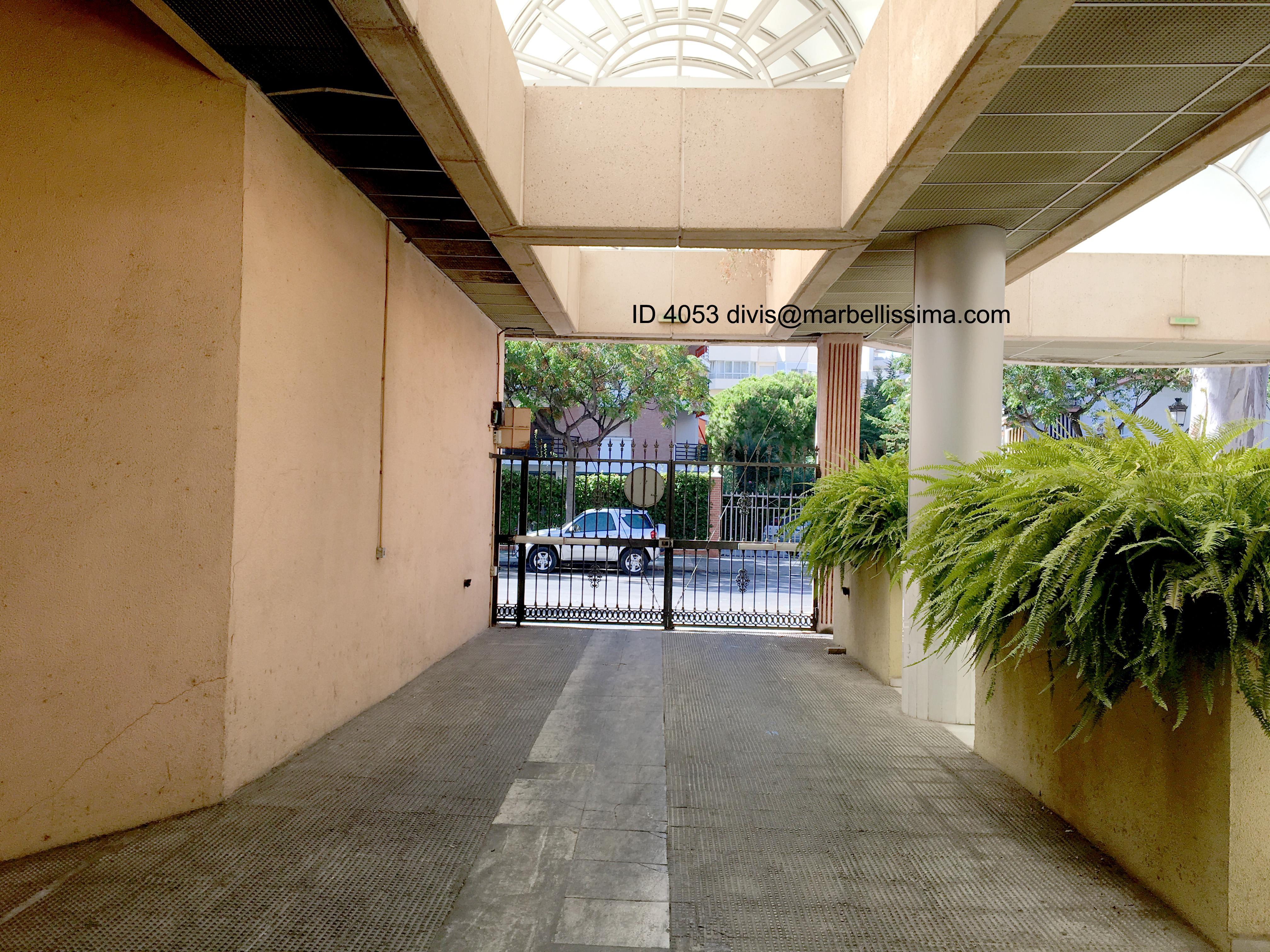 Garaje en alquiler en Marbella