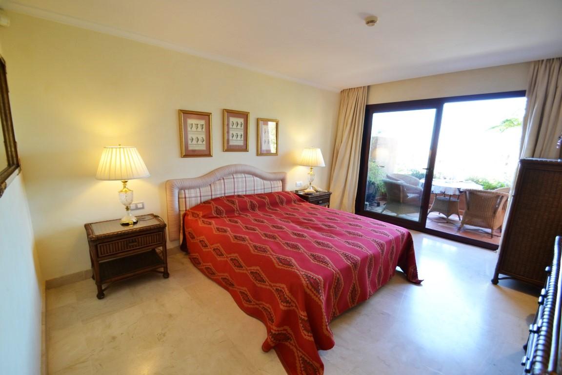 Un dormitorios en Primera linea de playa, Estepona
