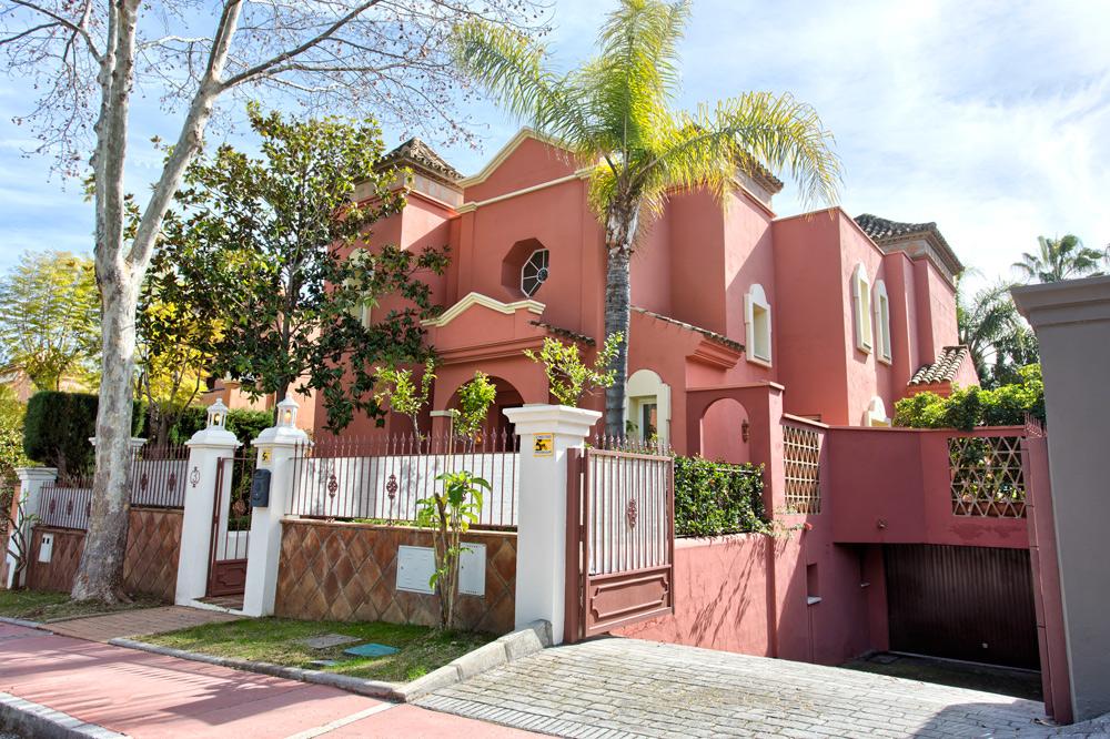 Villa for holidays in Puerto Banús (Marbella)