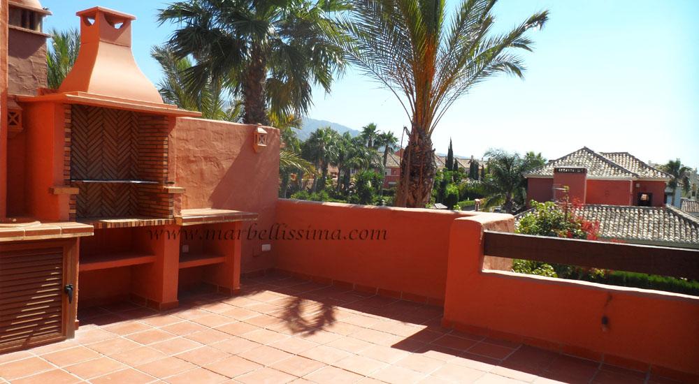 Adosada de 4 dormitorios, Larga Temporada, Marbella