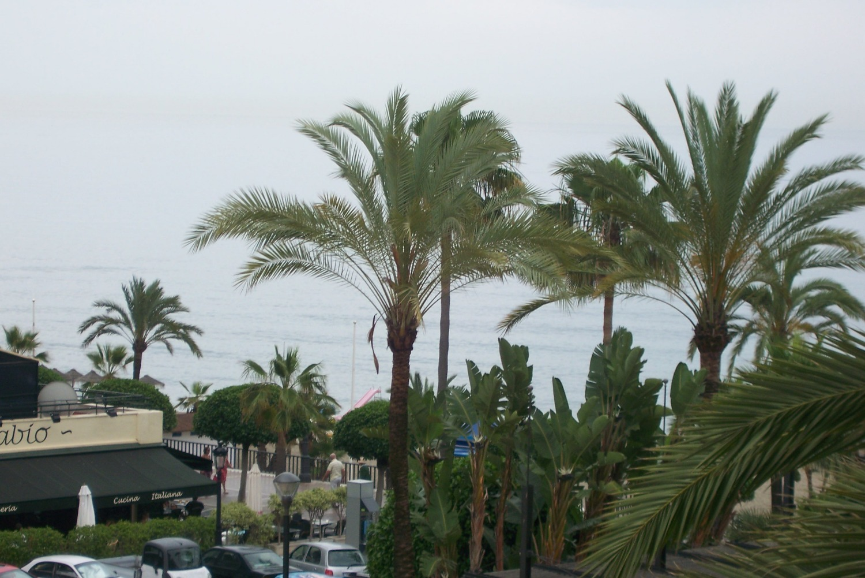 Vistas al mar, a pasos de la playa, Marbella ciudad