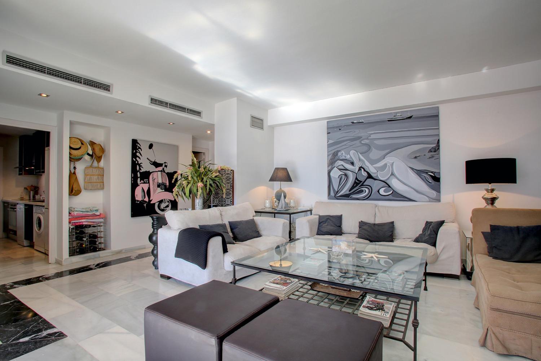 Atico de 3 dormitorios en Playas del Duque, Puerto Banus