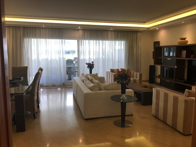 Primera planta dos dormitorios ensuite con terraza de 50 m ² con vistas a la piscina