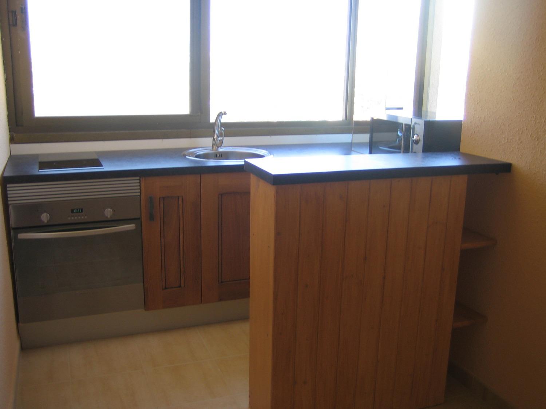 Rénové et avec une chambre séparée. L'approvisionnement en eau et en électricité est inclus dans le coût de la communauté.