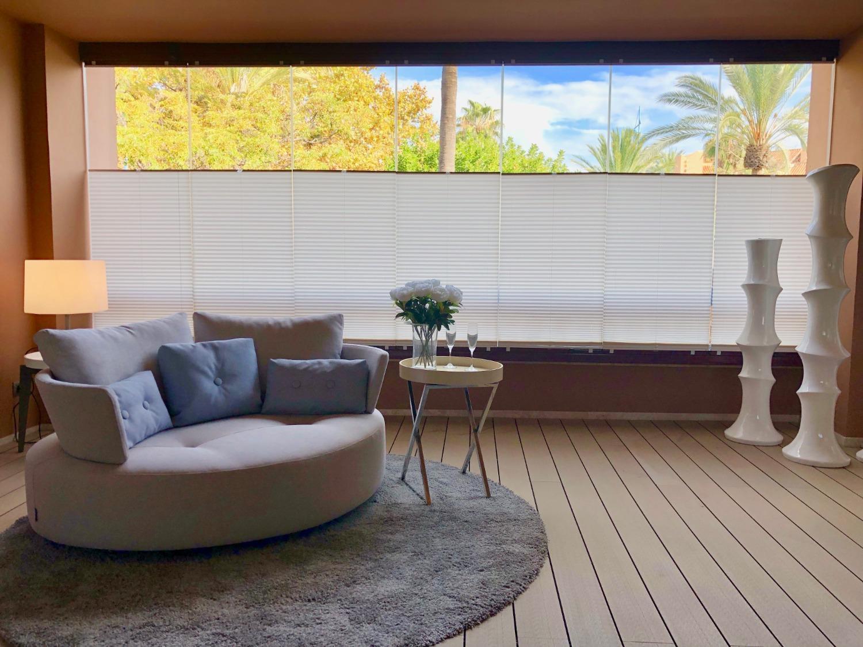 Totalment decorat i moblat, primera línia de la platja. Complex de luxe. Marbella.