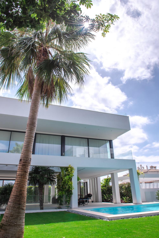 Villa met 5 prachtige slaapkamers. Lang seizoen. Panoramisch uitzicht op zee en bergen