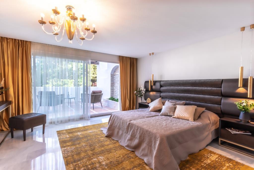 Price Drop 5.06%! Huge Penthouse in a privileged environment between Estepona and Puerto Banus (Marbella).