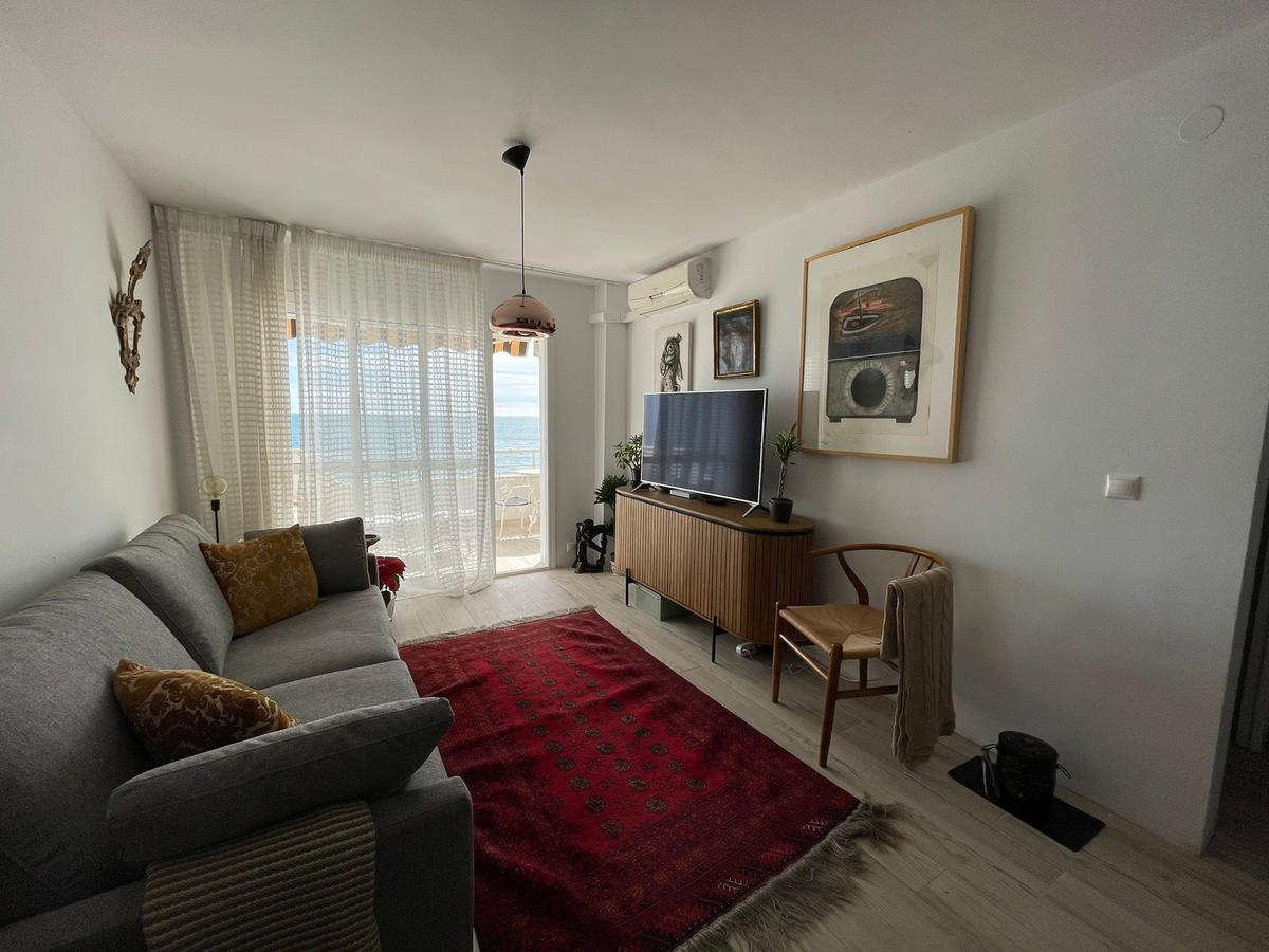 Extraordinary sea views. Steps from beach bar. City Apartment, with 2 bedrooms and 2 bathrooms.