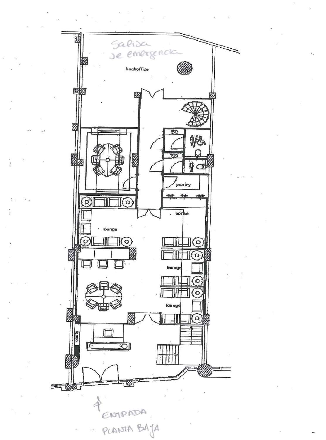No commission. Total of 322 sq m. Privileged location, near the beach on a very busy street. Puerto Banus.
