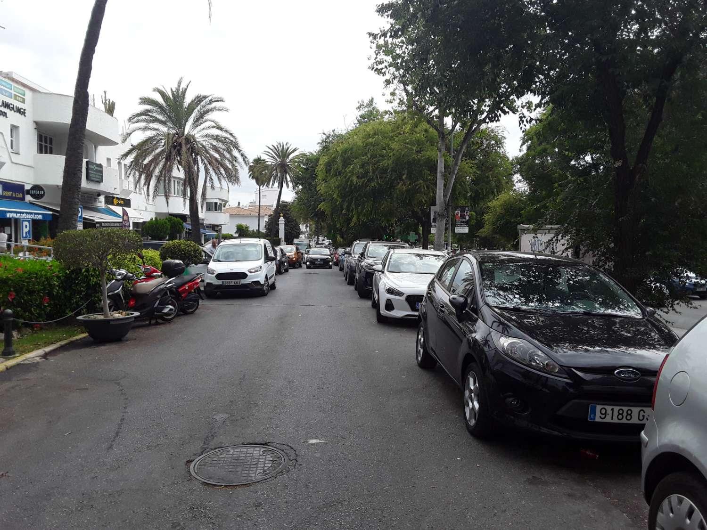 Marbella Real. Avenida Bulevar Príncipe Alfonso de Hohenlohe